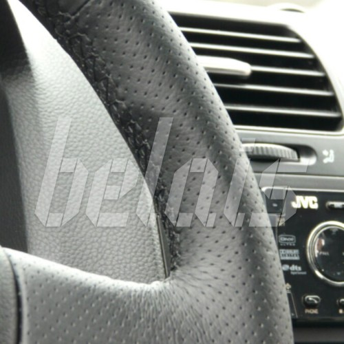 Оплетка на руль из натуральной кожи Volkswagen Caddy III 2006-2010 г. (черная)